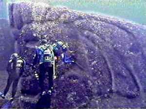 puing bangunan di laut jepang (bukti adanya Lemuria)