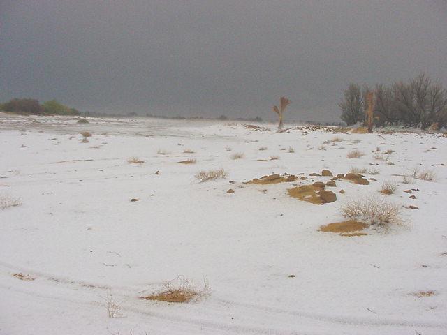 Hasil carian imej untuk salji di gurun sahara
