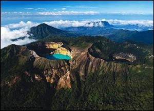 Danau Toba yaitu sebuah danau vulkanik dengan ukuran panjang  Tempat Wisata: 20 Tempat Eksotis di Indonesia